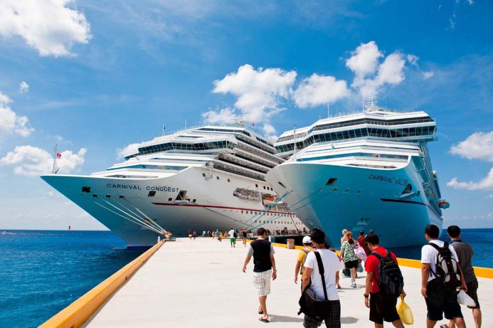 العمل على السفن السياحية كيف تكون جزءا من طاقم رويال كاريبيان