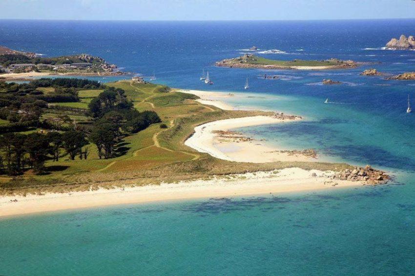جزيرة في جنوب إنجلترا تبحث عن موظفين يعملون هذا الصيف الأوروبي في إنجلترا